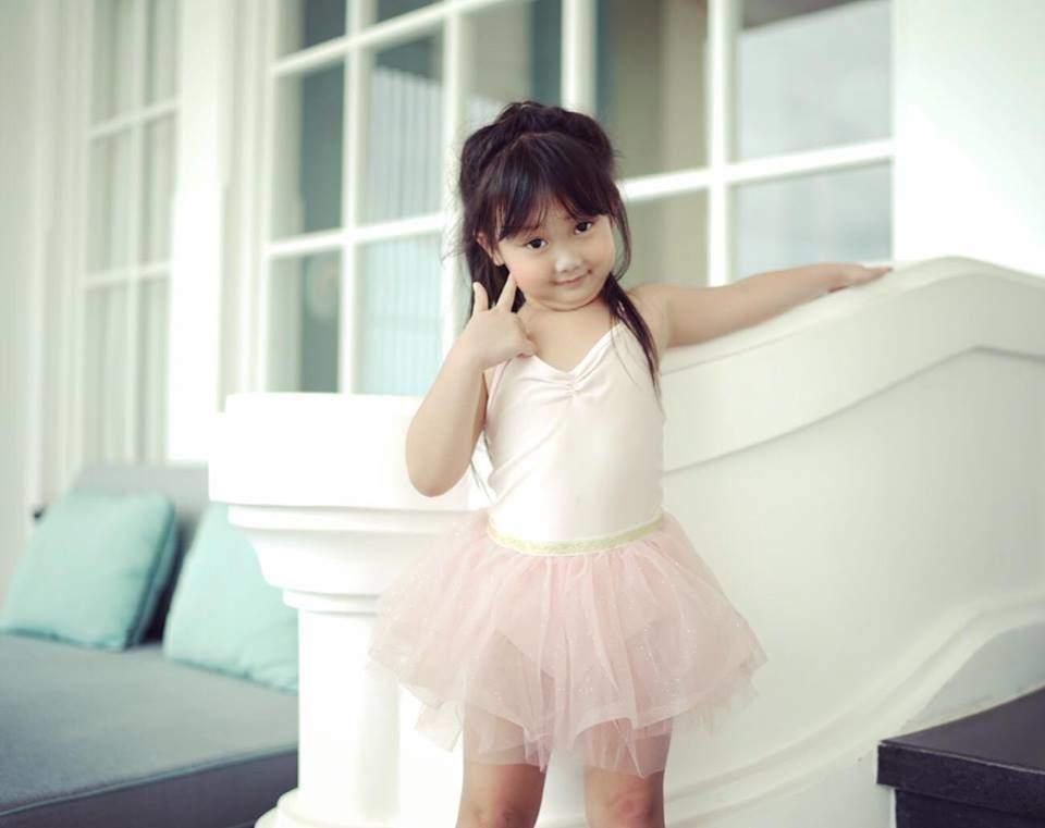 Huyền baby trẻ như gái 18 nhưng đã có con gái 5 tuổi được khen xinh như thiên thần-7