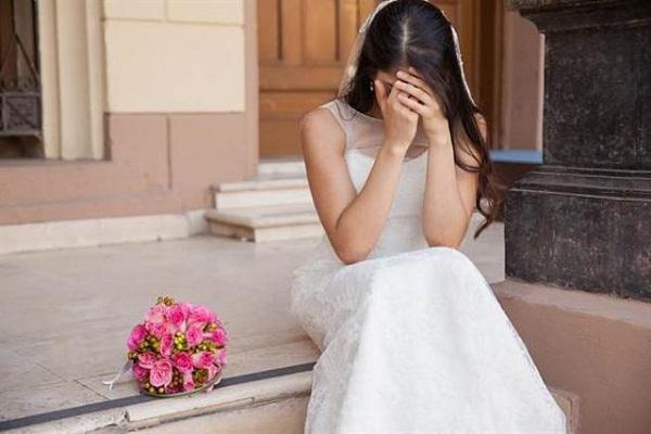 Mời người yêu cũ đến dự đám cưới ai ngờ bị anh ta phá tan hôn lễ-1