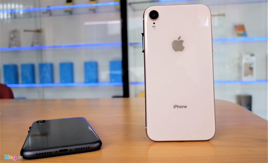 iPhone XR chưa mở bán nhưng hàng nhái đã xuất hiện tại VN-10