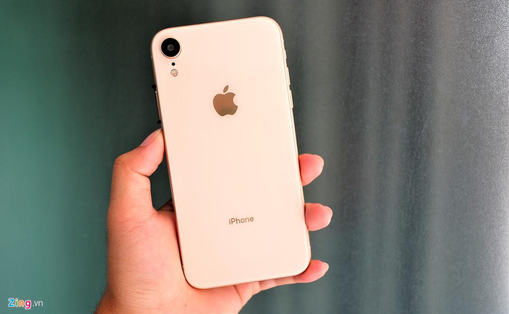 iPhone XR chưa mở bán nhưng hàng nhái đã xuất hiện tại VN-2