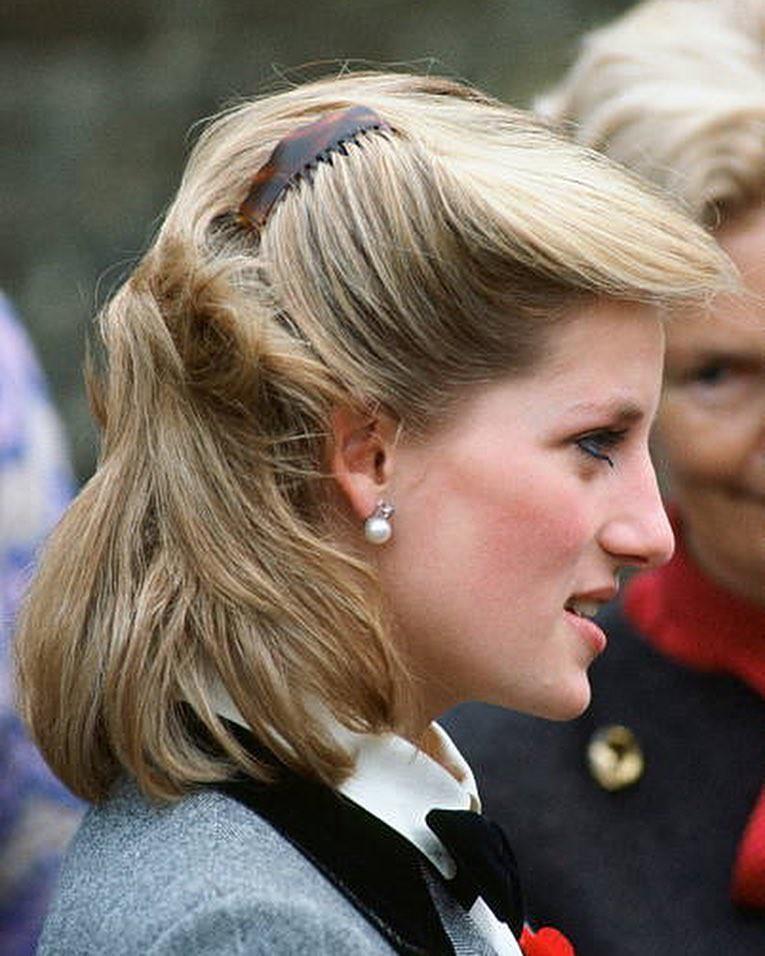 Mấy ai để ý rằng Công nương Diana cũng có 1 thời để tóc lỡ vai đầy dịu dàng và trang nhã đến vậy-7
