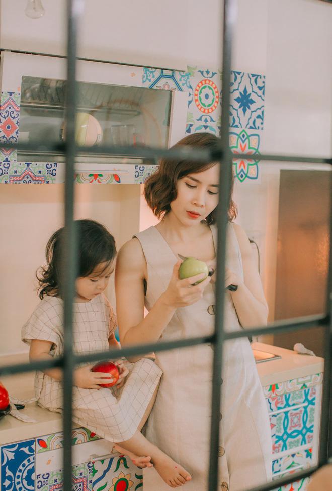Lưu Hương Giang - Hồ Hoài Anh lần đầu khoe mái ấm nhỏ với gia đình đủ 4 thành viên-13