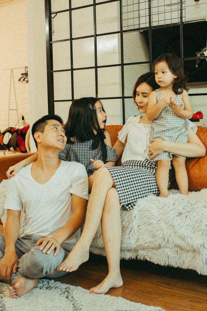 Lưu Hương Giang - Hồ Hoài Anh lần đầu khoe mái ấm nhỏ với gia đình đủ 4 thành viên-18