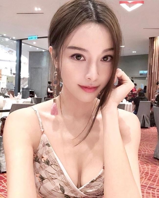Hot girl số 1 Malaysia có thân hình thắt đáy lưng ong quyến rũ mê hồn-4