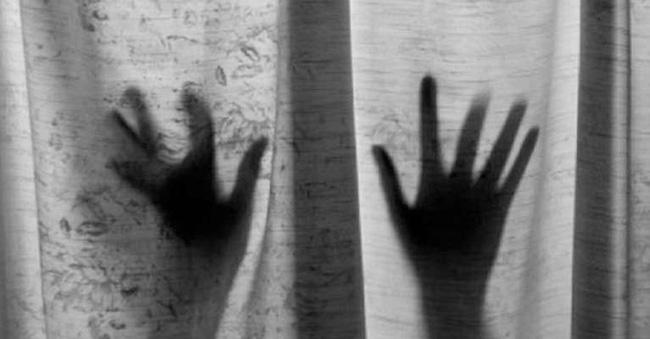 Vụ án làm rung chuyển Ấn Độ: Người phụ nữ đốt vùng kín của bé trai 13 tuổi sau khi bị từ chối quan hệ-1