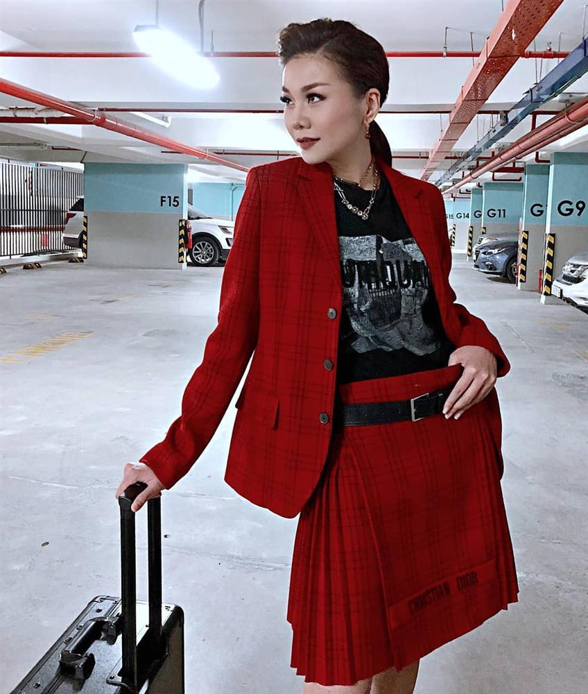 Street style sao Việt: Thanh Hằng - Minh Hằng chất chơi đẹp cả đôi, Hà Tăng tối giản vẫn thần thái-7