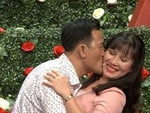Vừa được mai mối gặp mặt lần đầu, cặp đôi Sài Gòn đã lao vào hôn nhau