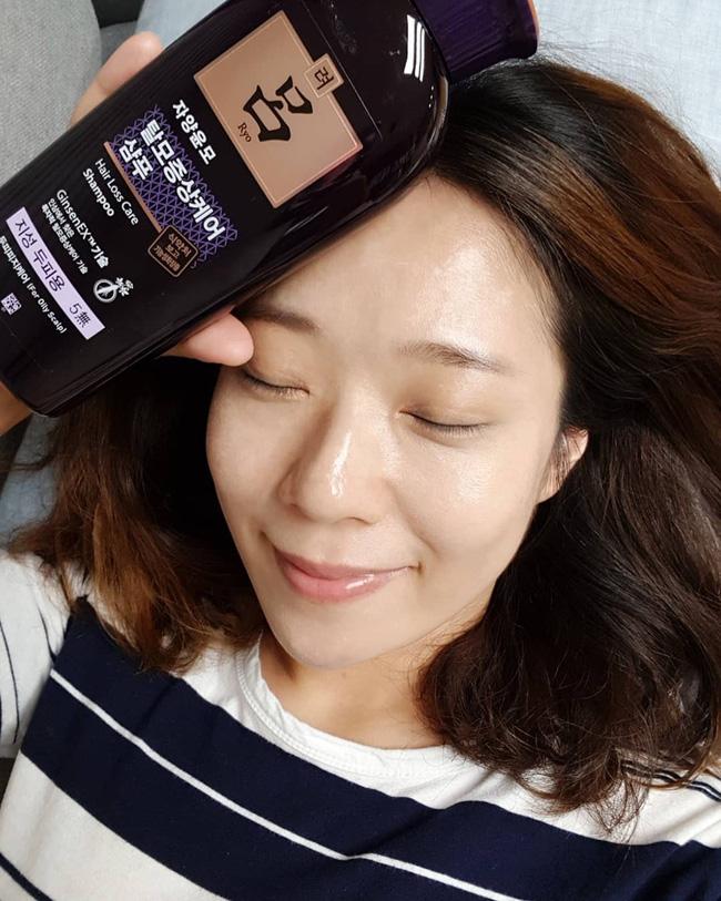 """3 dấu hiệu cho thấy da mặt đang thiếu độ ẩm trầm trọng và những lưu ý để cấp cứu"""" cho làn da-2"""
