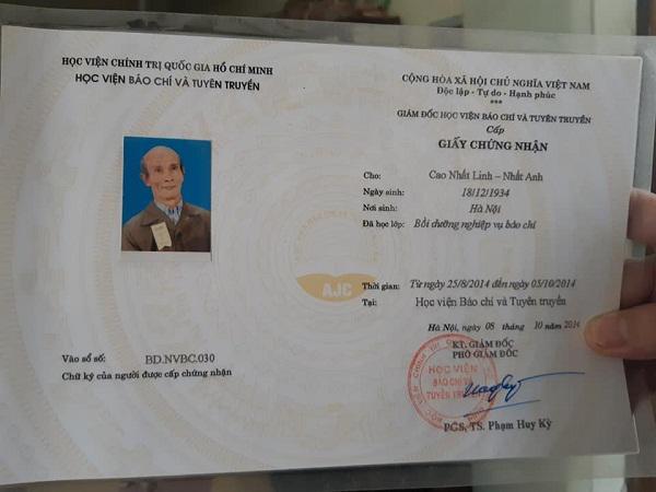 Găp gỡ cụ sinh viên 85 tuổi ở Hà Nội đang học năm thứ 2 ngành Luật-2
