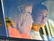 Justin Bieber bật khóc trước mặt Hailey Baldwin vì lo bệnh tật có thể giết chết Selena Gomez