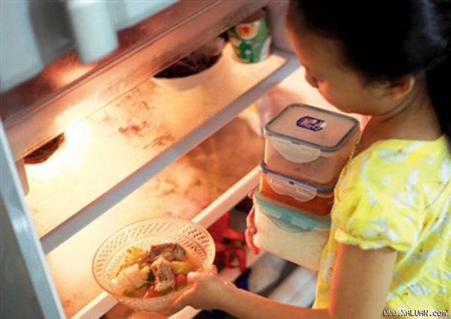 Người phụ nữ 30 tuổi toàn thân tím tái sau khi ăn món ăn nhiều người đang ăn mỗi ngày-3