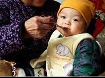 Bé gái 4 tuổi bị ung thư dạ dày vì món ăn quen thuộc trong bữa cơm người Việt