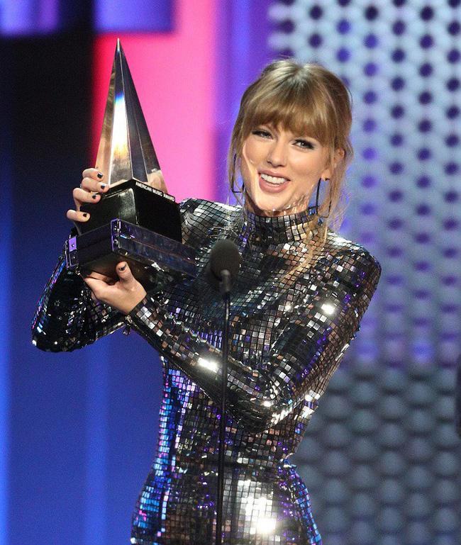 Tùng Dương gây sốc khi phát ngôn chỉ trích Taylor Swift khiến cộng đồng fan Việt sôi sục-4