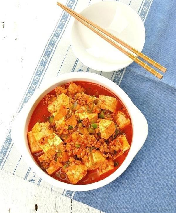 Hãy thử làm đậu phụ xốt thịt bằm ngon bá cháy theo công thức của người Hàn-1