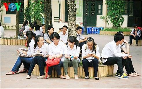 Hà Nội thay đổi phương án thi vào lớp 10, học sinh đi học gần kín tuần-2