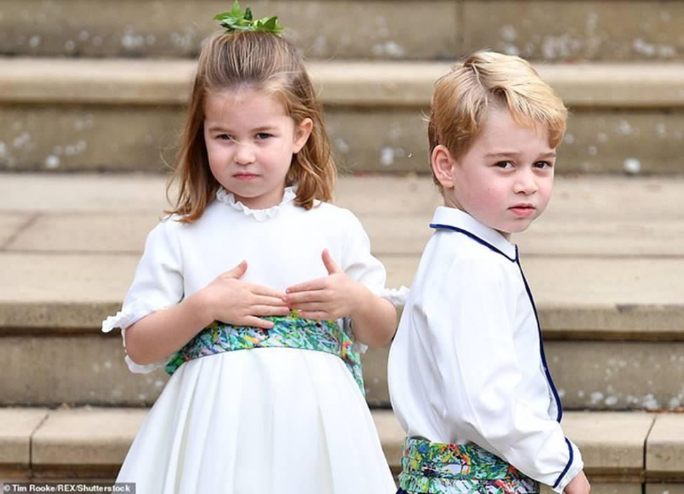 Đi đám cưới cô họ, Công chúa Charlotte tiếp tục gây thương nhớ bằng loạt biểu cảm đáng yêu xinh như thiên thần-8