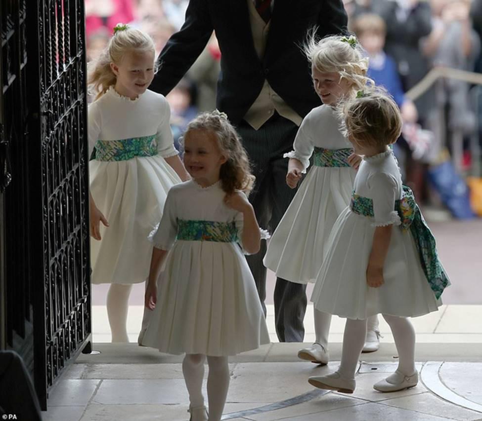 Đi đám cưới cô họ, Công chúa Charlotte tiếp tục gây thương nhớ bằng loạt biểu cảm đáng yêu xinh như thiên thần-12