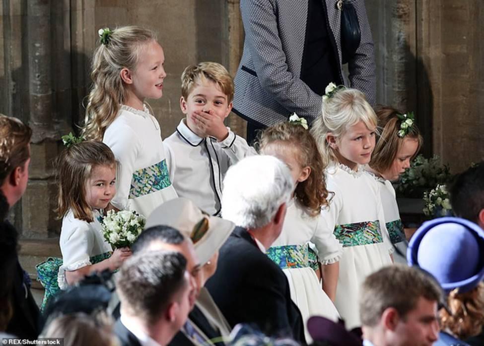 Đi đám cưới cô họ, Công chúa Charlotte tiếp tục gây thương nhớ bằng loạt biểu cảm đáng yêu xinh như thiên thần-9