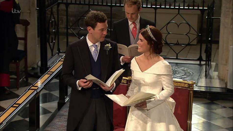 Công nương Kate Middleton và Meghan Markle mặc đồ đối lập trong đám cưới Công chúa Eugenie-3