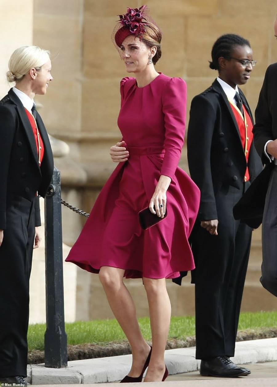 Công nương Kate Middleton và Meghan Markle mặc đồ đối lập trong đám cưới Công chúa Eugenie-5