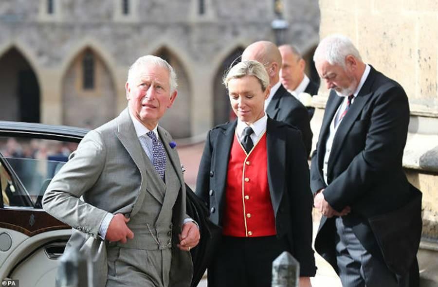 Công nương Kate Middleton và Meghan Markle mặc đồ đối lập trong đám cưới Công chúa Eugenie-10
