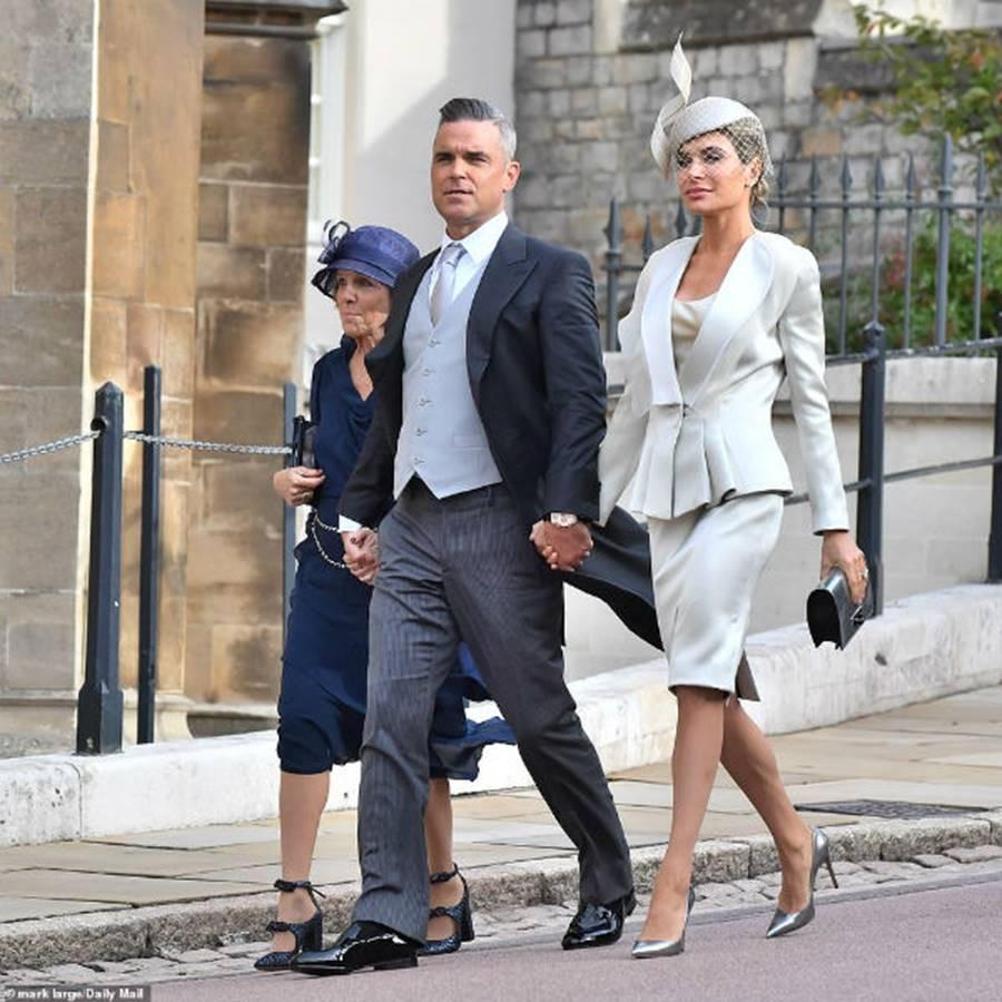 Công nương Kate Middleton và Meghan Markle mặc đồ đối lập trong đám cưới Công chúa Eugenie-12