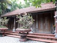 Căn nhà gỗ sưa đỏ được trả giá trăm tỷ, chủ nhân vẫn không bán