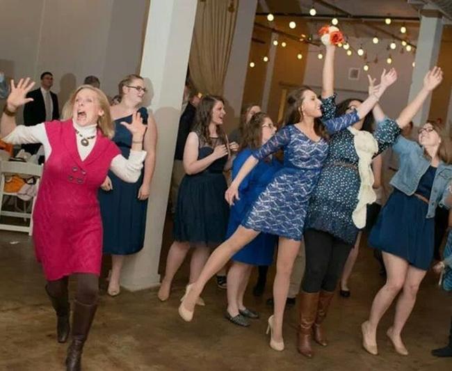 Chộp khoảnh khắc cười ra nước mắt trong các đám cưới-8