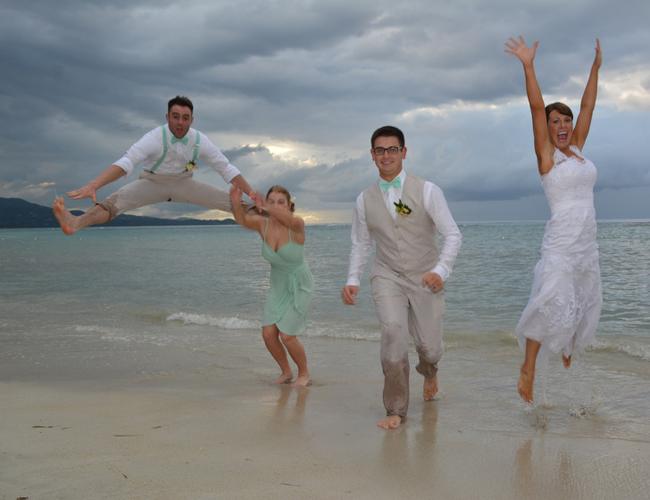Chộp khoảnh khắc cười ra nước mắt trong các đám cưới-15