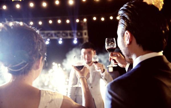 Bên nhau 10 năm không hẹn cưới, anh chàng nhói lòng nhìn bạn gái lên xe hoa với người khác-1
