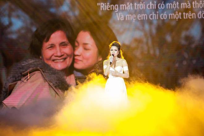 Thủy Top chia sẻ ảnh mẹ ruột giàu có, danh giá và câu nói khiến tim cô thắt lại-3
