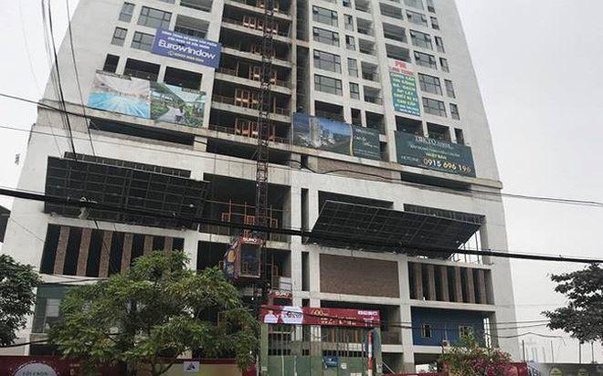 Cao ốc bị siết nợ, số phận khách hàng mua chung cư ai lo?-1