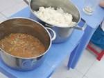 Vụ trẻ ăn cơm mốc, đầu cá: Điều cấp dưỡng trường khác tới nấu-2