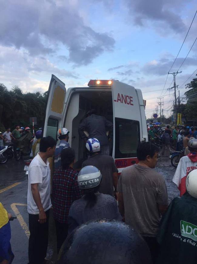 Thương tâm nhóm học sinh bị dây điện rớt trúng khi sét đánh, 2 em chết, 4 em bị thương ngay trước cổng trường-5