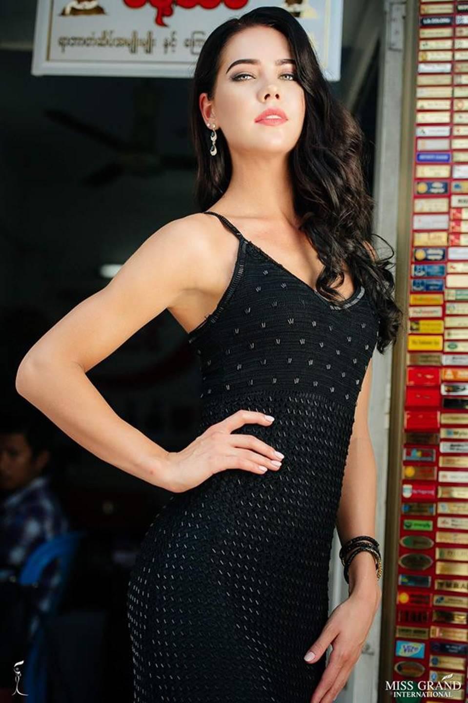 Phương Nga vào Top 9 chụp ảnh chân dung tại Hoa hậu Hòa bình Quốc tế 2018-7