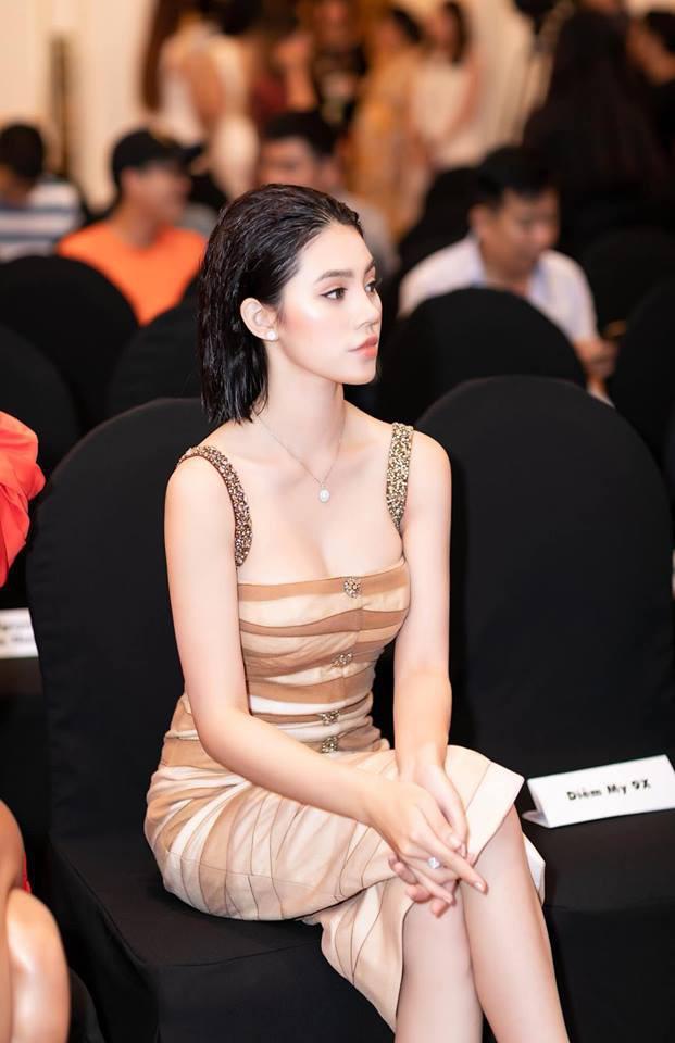 Đâu cần tóc dài đen nhánh, những nàng Hoa hậu Việt với mái tóc ngắn vẫn dư sức đổi đời-8