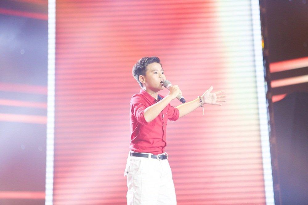 Cậu bé 12 tuổi hát Opera khiến HLV Giọng hát Việt nhí 'đứng hình'-1