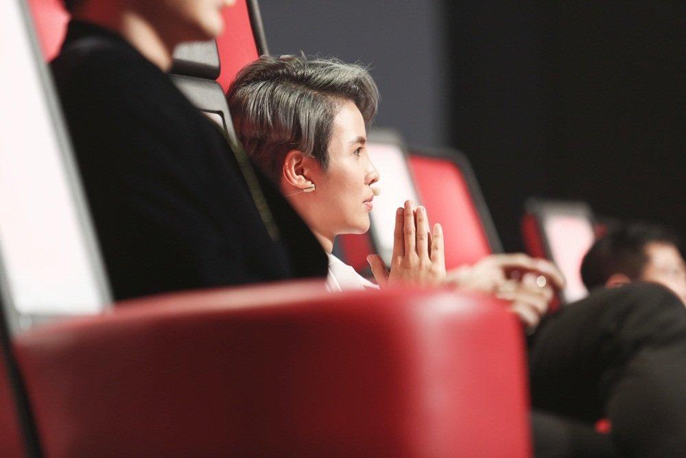 Cậu bé 12 tuổi hát Opera khiến HLV Giọng hát Việt nhí 'đứng hình'-5