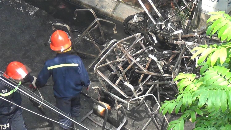 Vụ cháy xưởng sản xuất ghế sofa: Phát hiện một người tử vong-2