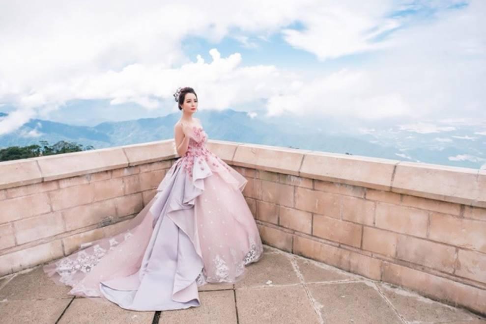 Mai Thu Huyền hóa công chúa lung linh giữa trời mây Đà Nẵng-11