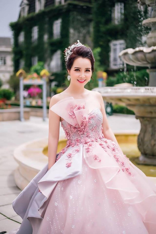 Mai Thu Huyền hóa công chúa lung linh giữa trời mây Đà Nẵng-6