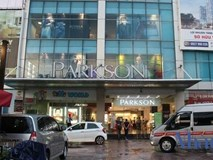 Toạ lạc trên 'đất vàng', vì sao Parkson phải đóng cửa?