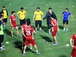 Xem màn đá ma bá đạo của HLV Park Hang Seo-1