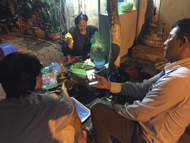 Vụ cô gái bị bạn trai cũ đâm dã man trên phố Hà Nội: Người yêu mới của nạn nhân đau buồn, mong sớm bắt được hung thủ-4