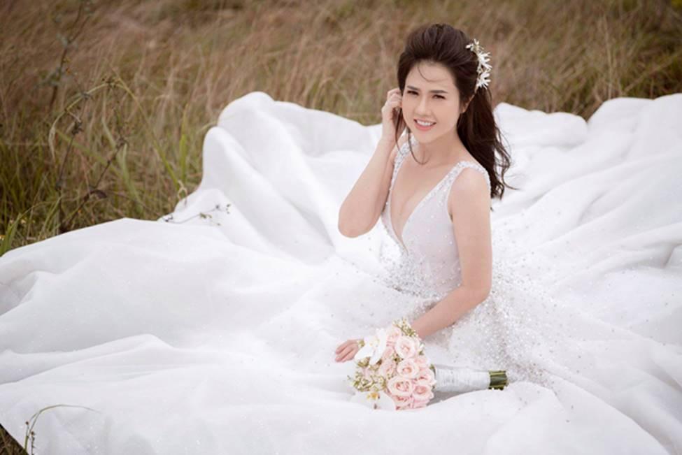 Chị gái diện váy cưới quá nóng bỏng, nữ hoàng nội y cũng phải ghen tỵ-6