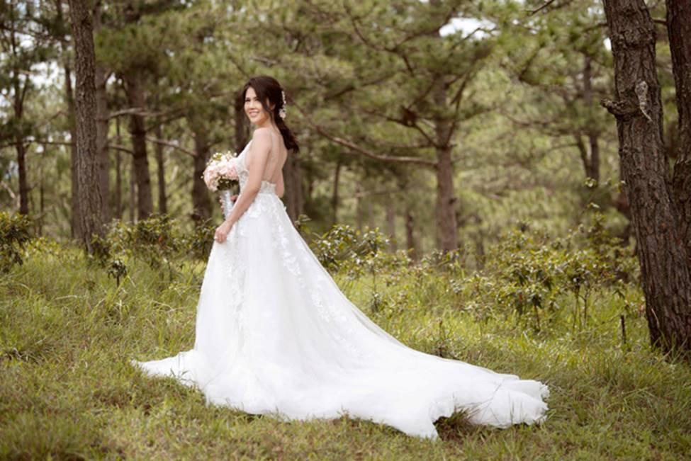 Chị gái diện váy cưới quá nóng bỏng, nữ hoàng nội y cũng phải ghen tỵ-16