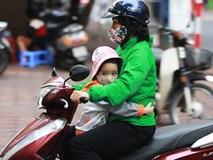 Hà Nội chuyển lạnh vì gió mùa tràn về, bố mẹ nhớ giữ ấm cho con khi ra đường