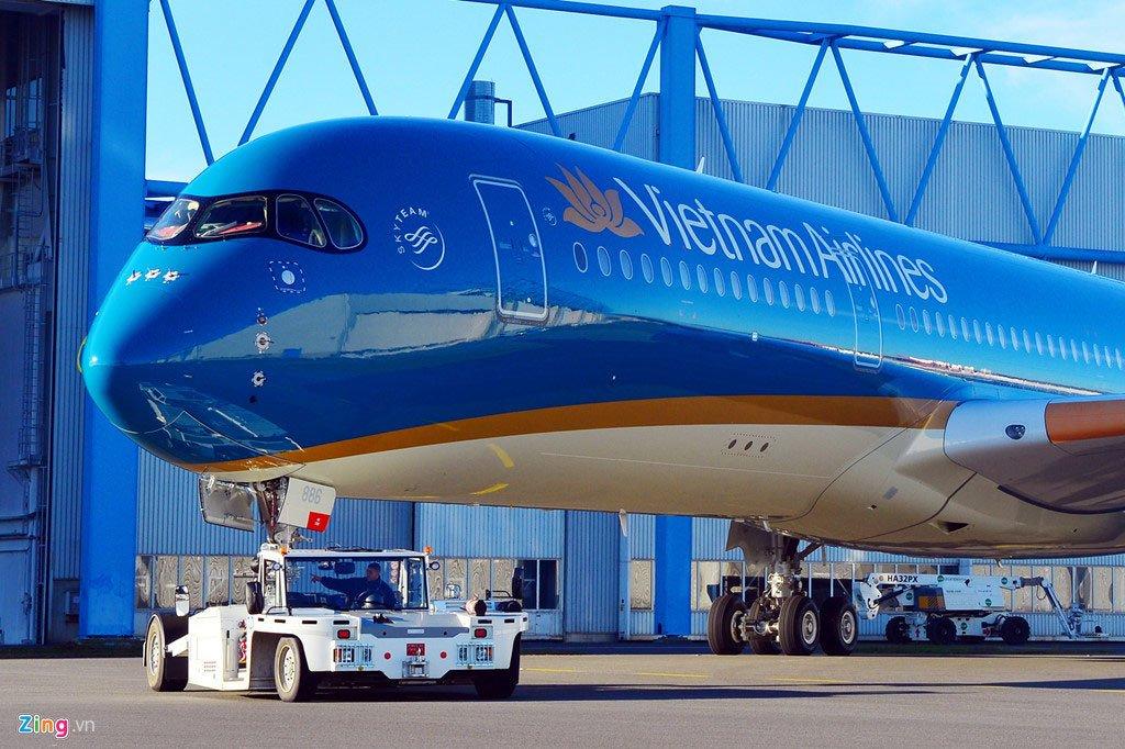 Nhân viên dịch vụ hàng không Việt: Ăn lương 240 triệu/tháng-1