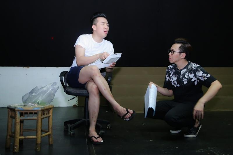 Diện dép tông Lào rẻ tiền nhưng Thanh Hằng - Hoài Linh - Ngọc Trinh vẫn cứ là ngời ngời khí chất-12