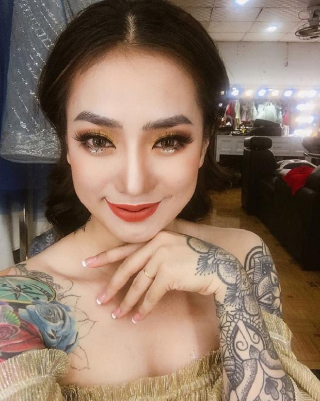 Cô dâu xăm trổ kín người nhưng 'quyến rũ hết phần người khác' khiến mạng xã hội xôn xao tranh cãi-3